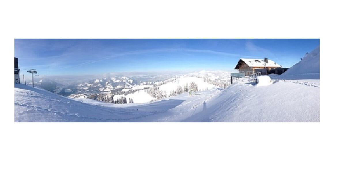 冬のバックカントリーの景色