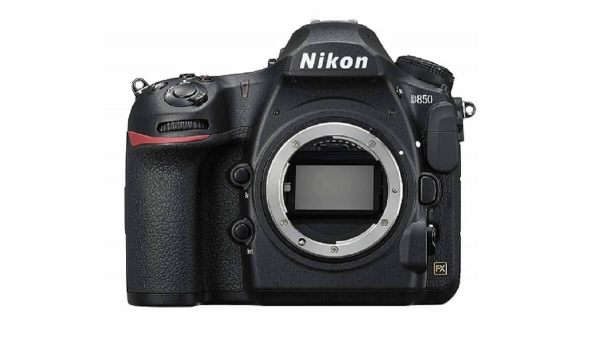 Nikonのカメラ D850を正面から見たところ