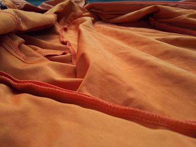 ミドルウェア ファイントラックニュウモラップ オレンジ 内側のファブリクスの全体画像