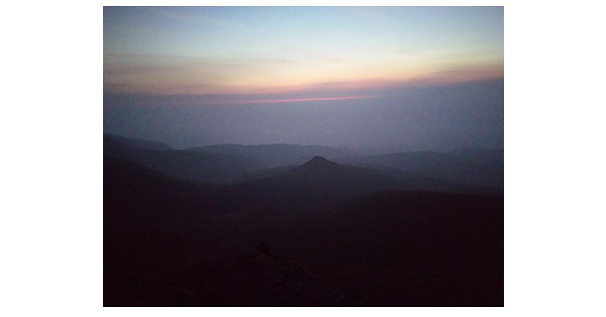 安達太良山 篭山と朝日