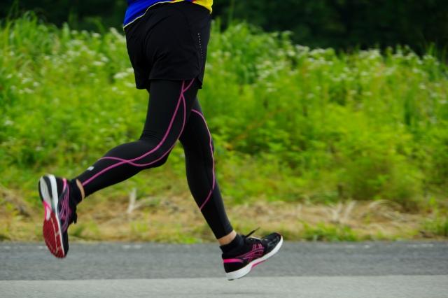サポートタイツでジョギング