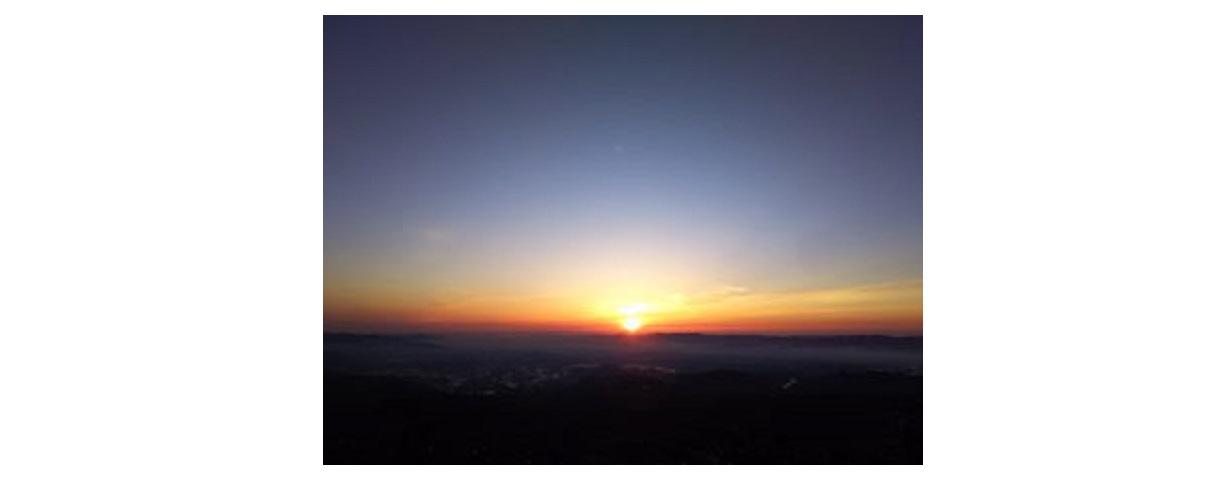 安達太良山山頂での日の出