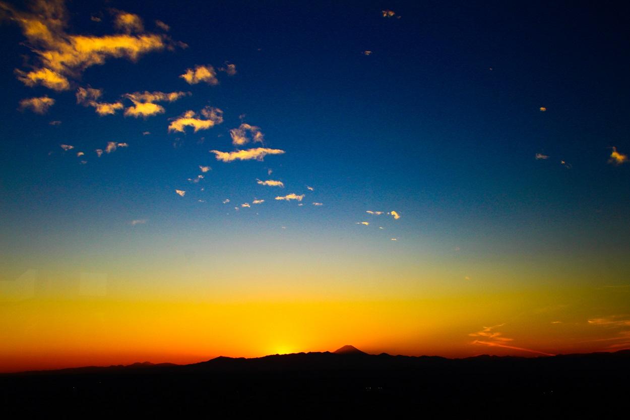 富士山登山 登る前の朝焼けの富士山