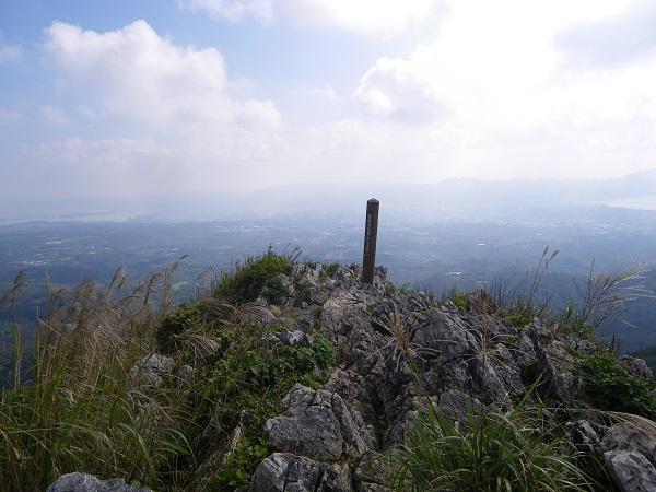 嘉津宇岳登山 山頂