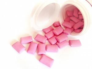 お菓子のガム ピンクでケースに入っていた