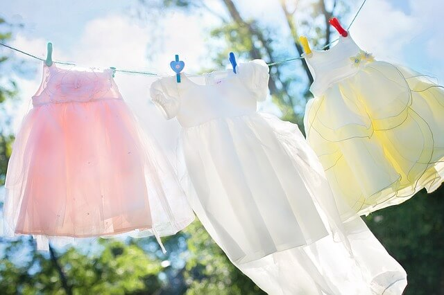 ユニクロ スポーツの速乾 服を干して洗濯するとが良く乾くイメージ
