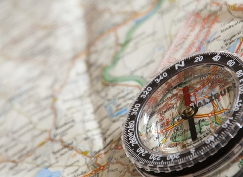登山初心者始め方に必須の地図とコンパス