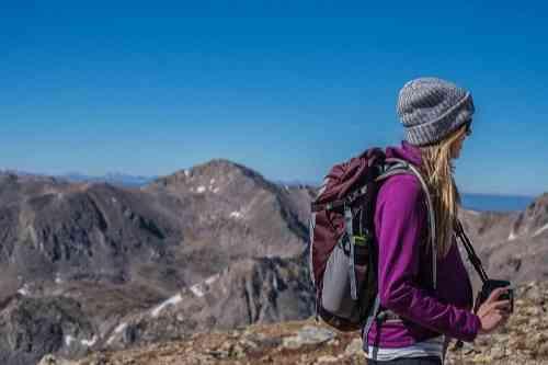 ハイキングの服装 女性 山ガール