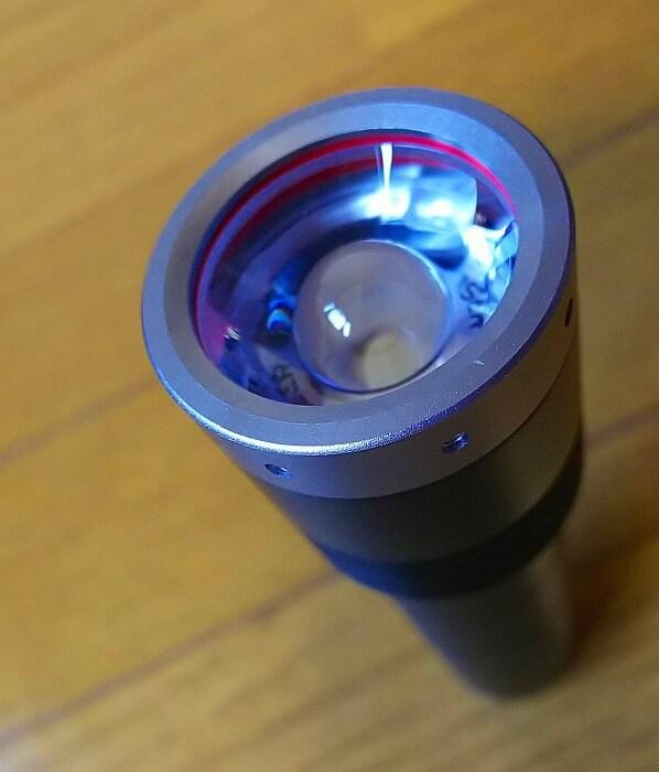 登山ライトメーカー レッドレンザーのヘッドライト MT10 ライト部アップ