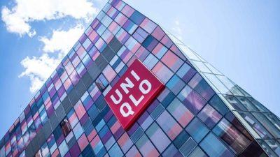 ユニクロ本社のuniqlo看板